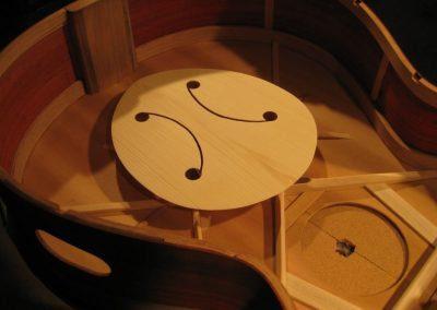 Tone generator in a baritone guitar